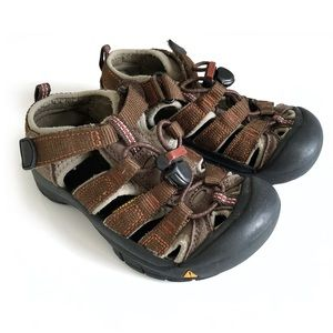 Keen Newport H2 Little Kid waterproof sandals